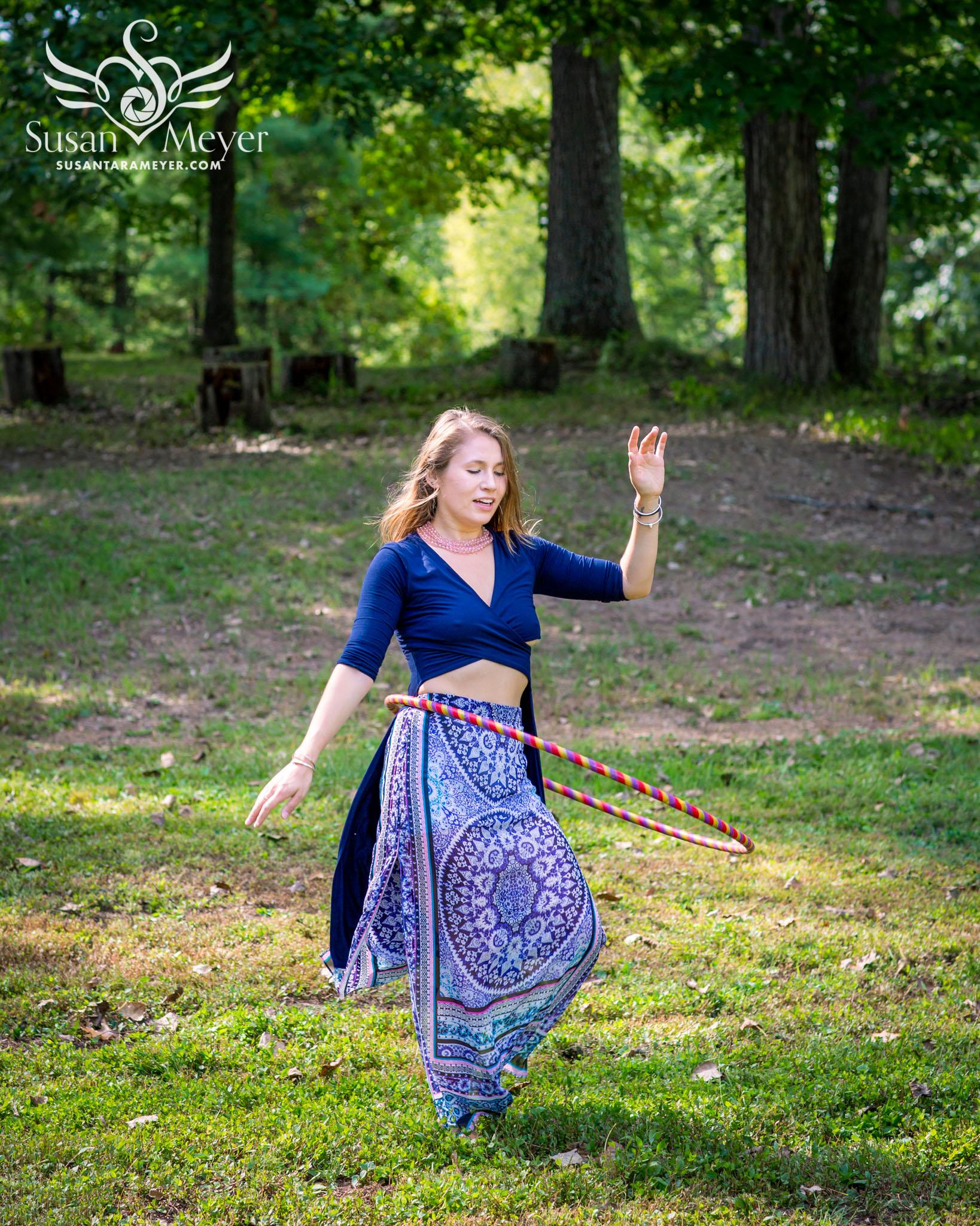 Hula-Hoop-Dance